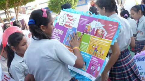Con Pasacalle la Mesa de Concertación para la Lucha Contra la Pobreza de Ucayali hace lanzamiento  de  Campaña  Buen Trato para la Niñez