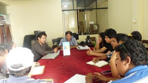 Reunión con organizaciones juveniles y coordinador de Juventudes del GOREU