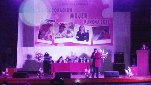 """Coordinadora de la MCLCP región Puno participó en ponencia """"Rol de La Mujer en la Sociedad Actual"""": Mujeres distinguidas de Puno fueron reconocidas en conmemoración al mes de la Mujer Puneña"""