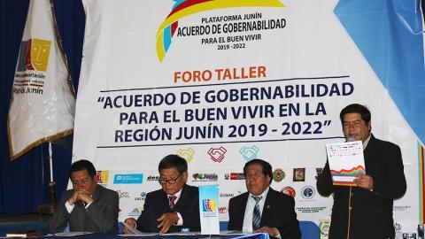 11 CANDIDATOS A LA REGIÓN JUNÍN SUSCRIBEN ACUERDO DE GOBERNABILIDAD PARA EL BUEN VIVIR