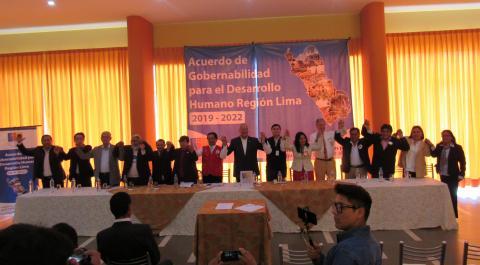 18 CANDIDATOS Y CANDIDATAS AL GOBIERNO REGIONAL FIRMARON ACUERDOS DE GOBERNABILIDAD POR EL DESARROLLO DE LA REGIÓN