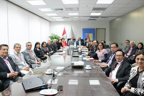 COMITÉ EJECUTIVO NACIONAL DE LA MCLCP SESIONÓ CON EL MINISTRO DE EDUCACIÓN